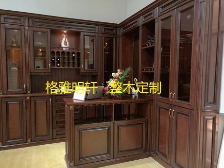原木门,实木家具,护墙板,实木酒柜,橱柜,楼梯,中式花格.